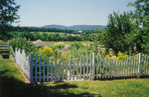 The Picture Perfect Garden Fence The Perfect Winter Project