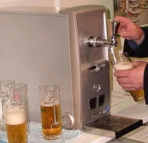 computer_beer.jpg